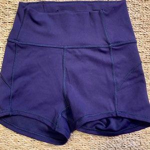 lululemon vollyball shorts !